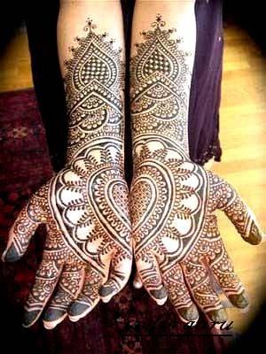 Heart Arabic Mehendi Designs