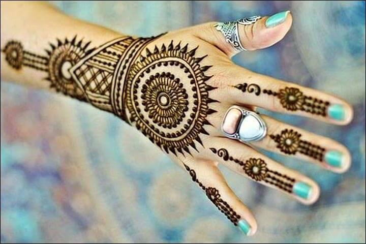 Striking Sun Arabiamehendi design