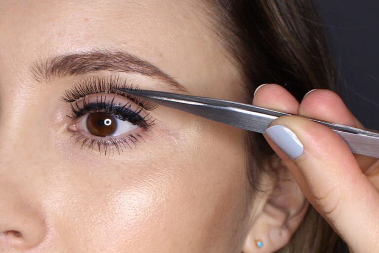 MEASURING-UP THE LASHES